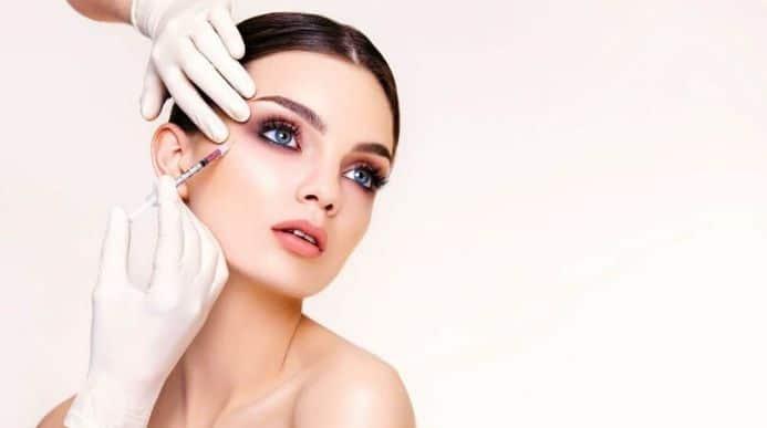 LE LIFTING SANS CHIRURGIE C'est possible grâce aux injections d'acide hyaluronique et de Botox